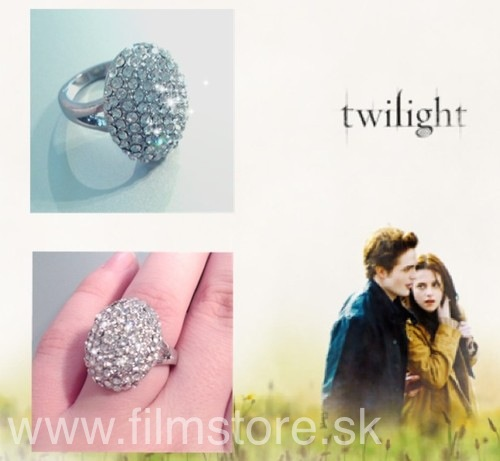 Twilight saga  Breaking Dawn Bella snúbny prsteň b1b85cdfdeb
